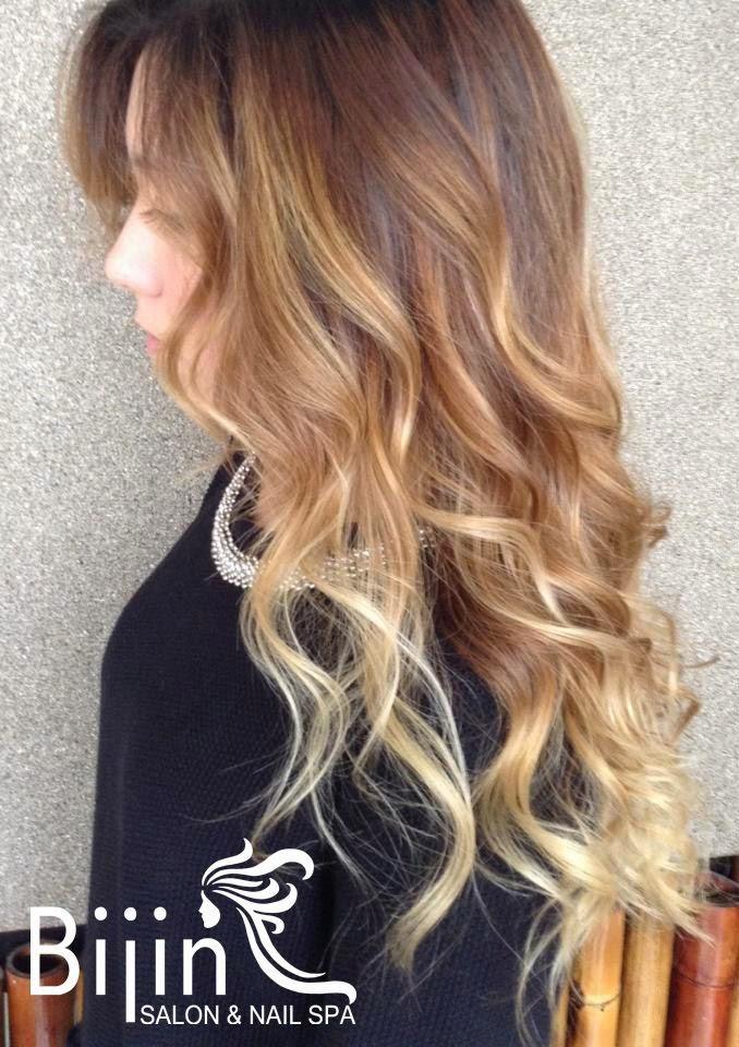 Stylish Blonde Flamboyage Największy Trend W