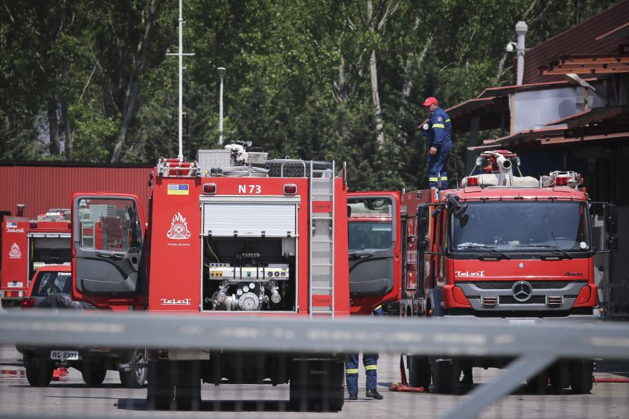 Υπό έλεγχο η πυρκαγιά στο εργοστάσιο λιπαντικών στη Χαλκιδική