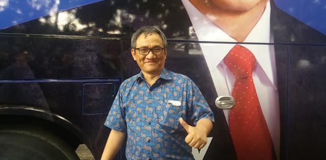 Dinilai Sebar Hoax, Andi Arief Jawab Mahfud MD: Apa yang Sedang Salah dalam Diri Anda Prof?