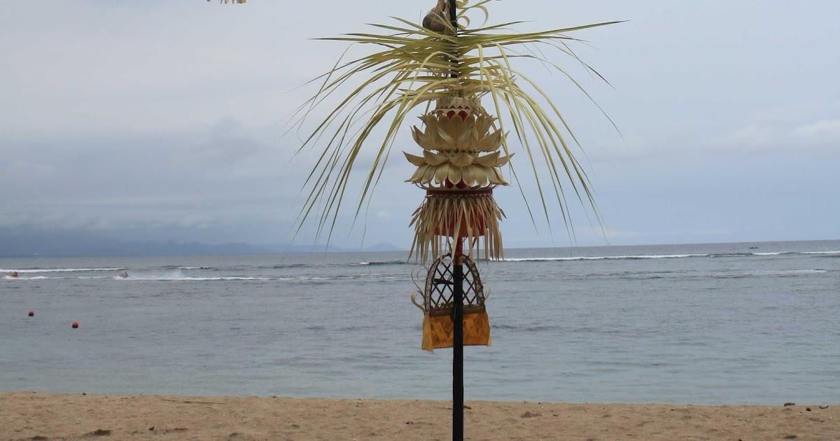 Emily Grace: Bali-Ubud Crafts and Monkeys