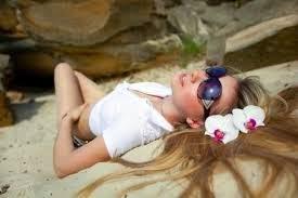 6 Cara Tepat Merawat Rambut di Musim Panas