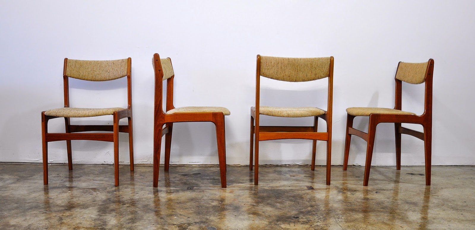 SELECT MODERN: Set of 4 Danish Modern Teak Dining Chairs