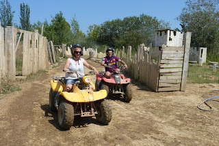 Yolanda con el Quad en Deltaventur.