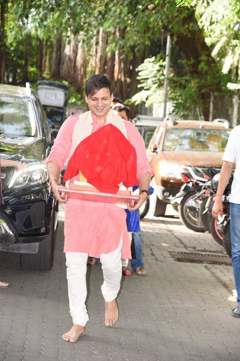 Vivek Oberoi Welcome Lord Ganesha