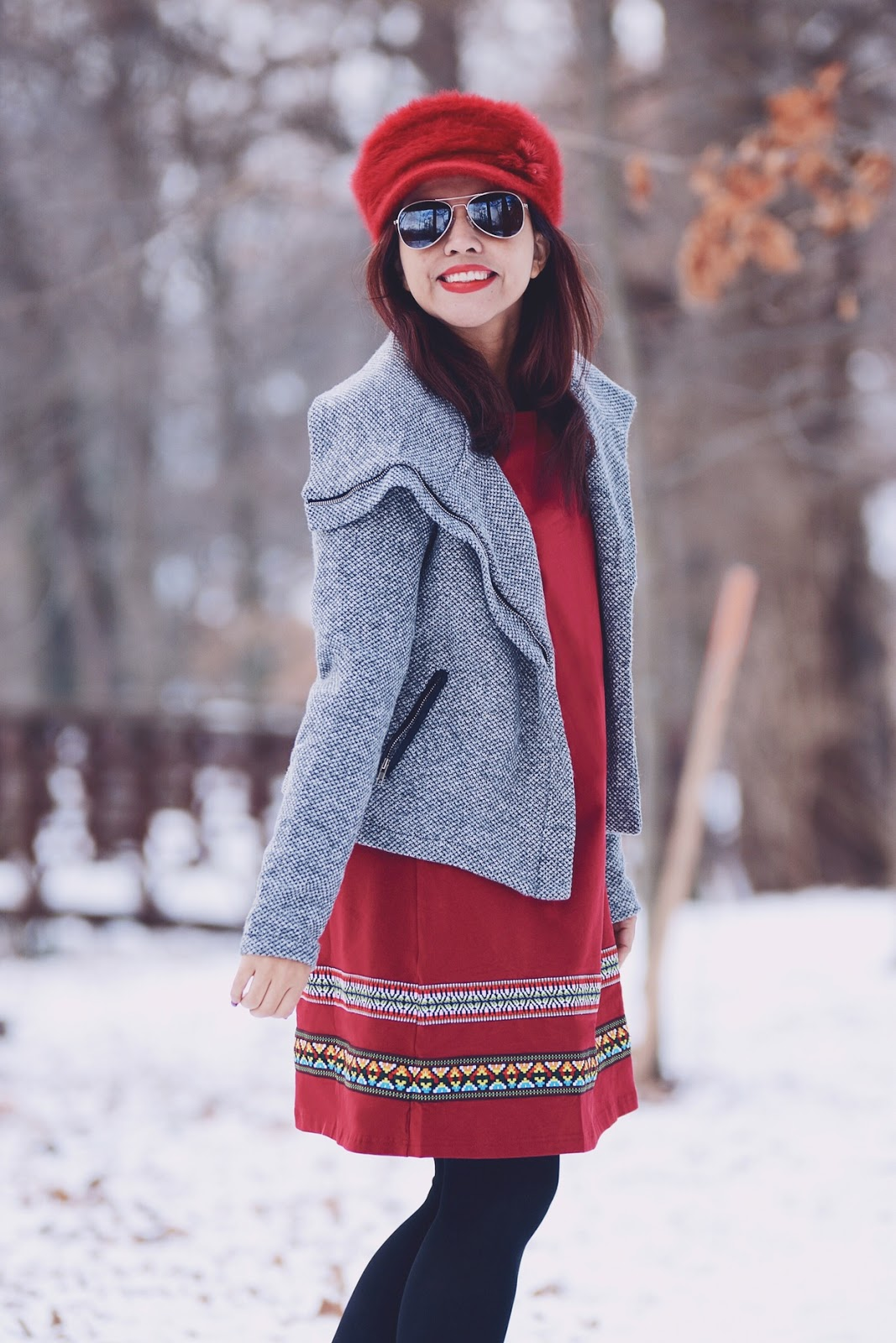 Red & Gray by Mari Estilo Wearing: Coat: Gamiss  Dress: Romwe Hat: TwinkleDeals