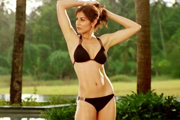 Anushka Sharma in Bikni
