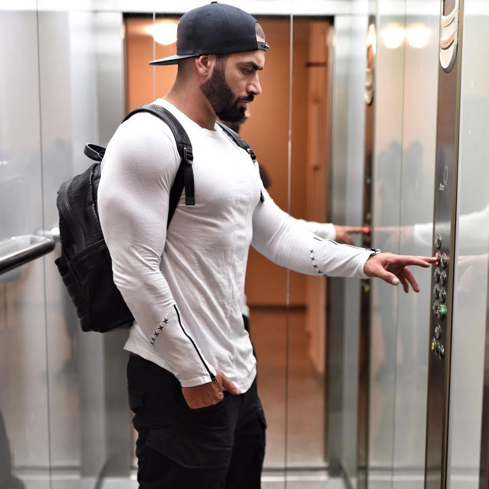 4invictus Lazar Angelov in elevator