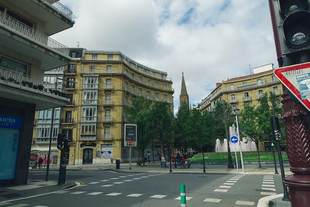 ビルバオ広場(De Bilbao Plaza)