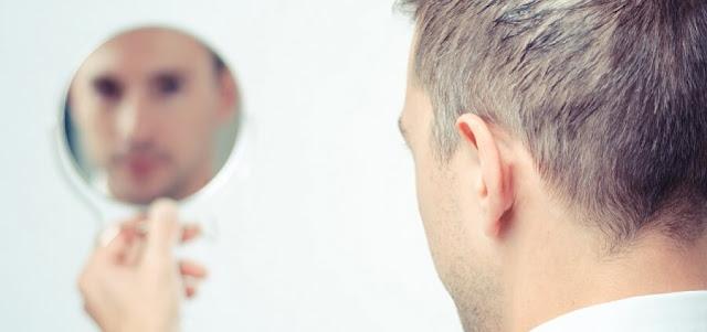 الشخص الذي في المرآة
