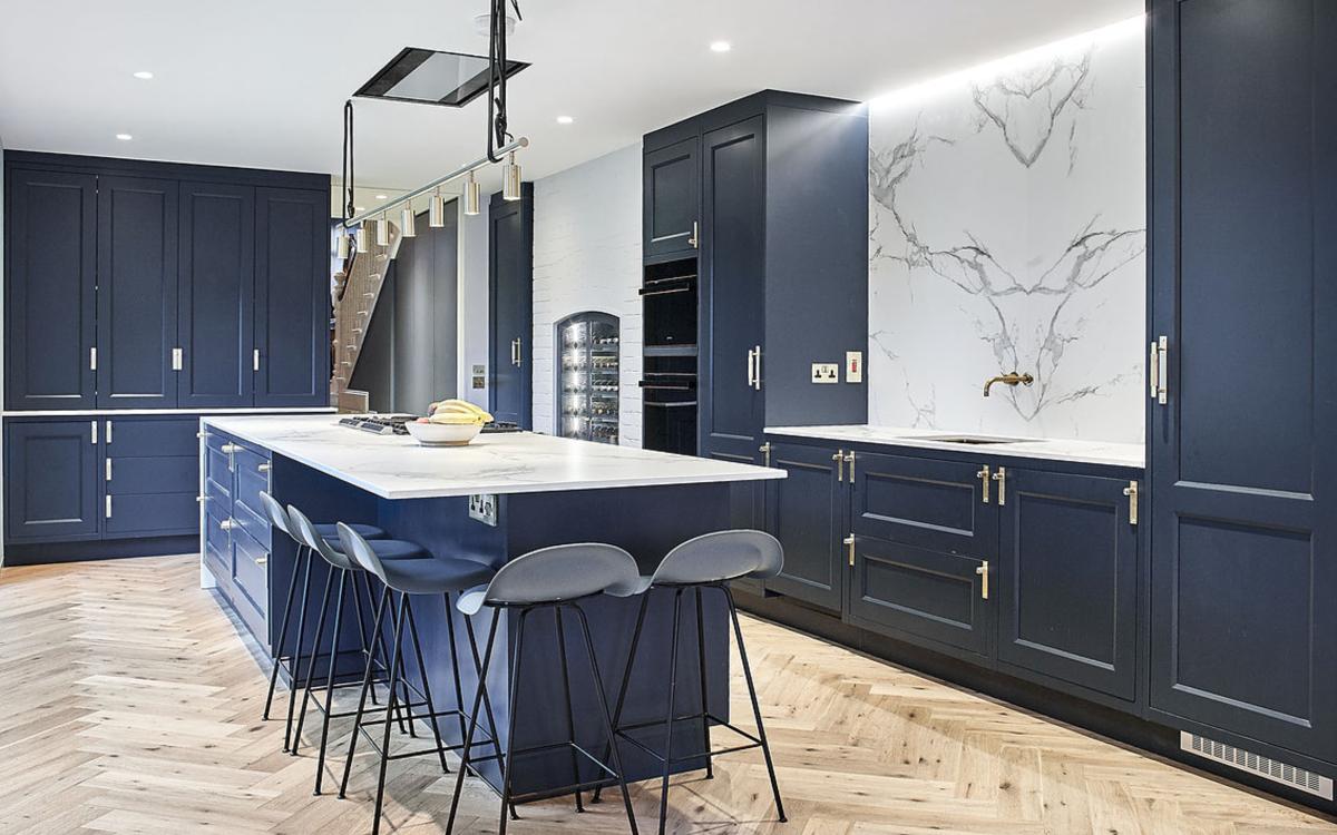 Navy blue kitchen design
