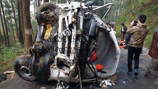 MTV Roadies vehicle met accident at Darjeeling 's Pesok view point