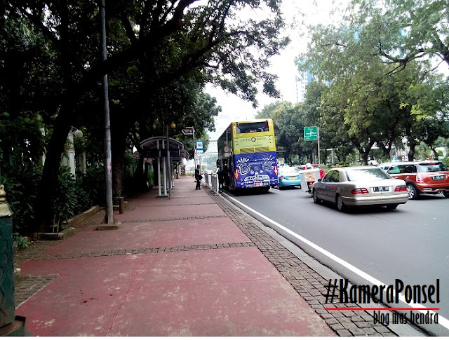Halte Bus City Tour di Depan Monas - Blog Mas Hendra