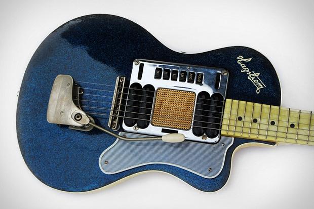 Woow, Gitar Kado Natal Kurt Cobain Dilelang di Ebay