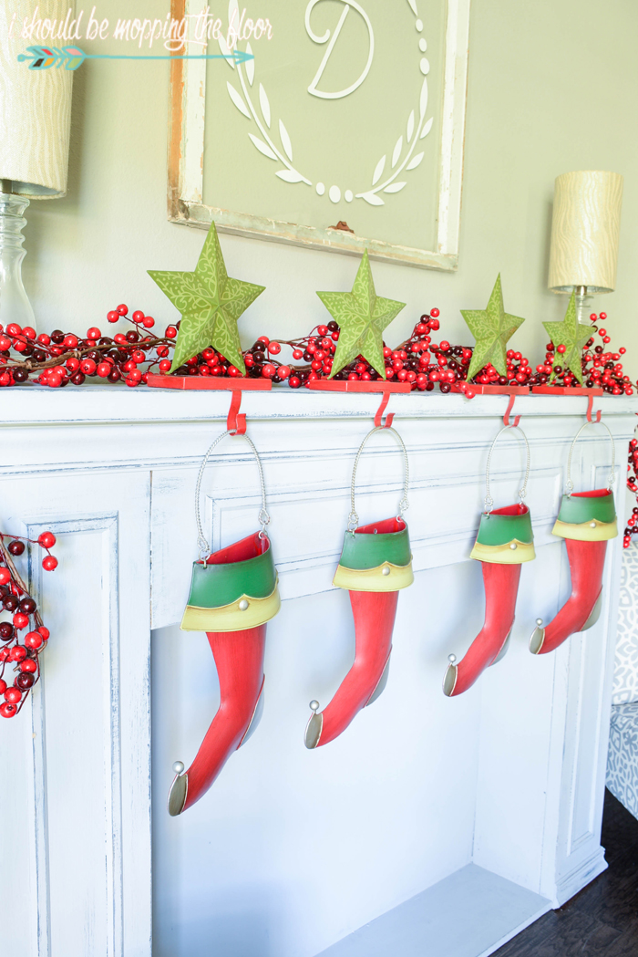 Blending Christmas Decor Styles | Mixing Christmas decorations from years of collections can be tricky. Here's a few tips to make it work seamlessly.