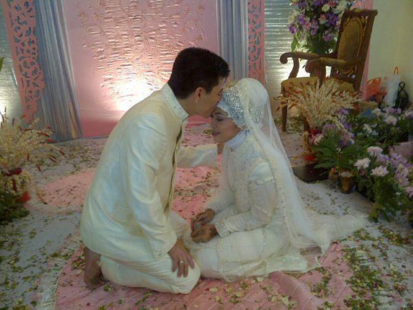 Do'a Pengasih Supaya Suami Makin Sayang, Istri Wajib Tahu.