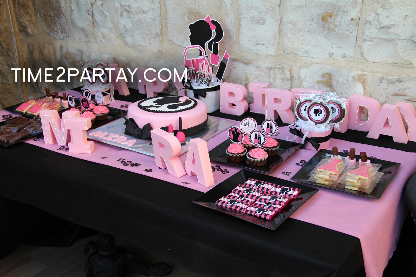 A Fashion Amp Makeup Themed Birthday Party Time2partay Com