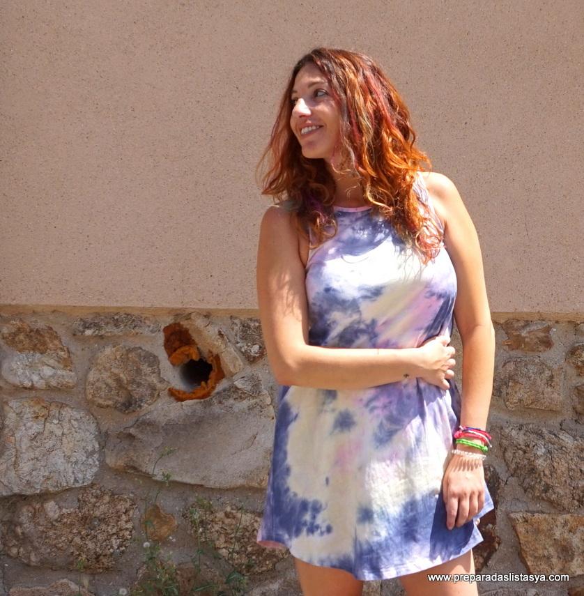 Vestido y pelo de colores