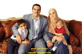 صور الداعية الاسلامي عمرو خالد وزوجته وأولاده