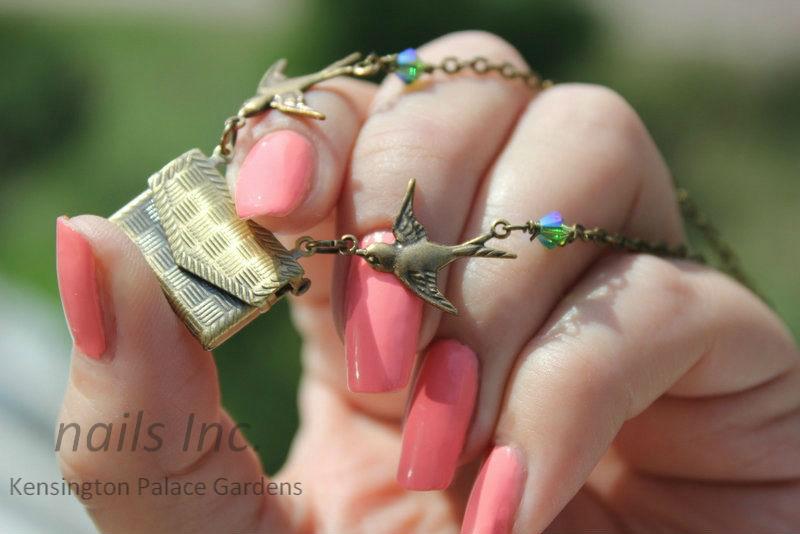 Отзыв: Пастельно-розовый лак для ногтей «Сады Кенсингтонгского дворца» - Nails inc. «Kensington Palace Gardens».