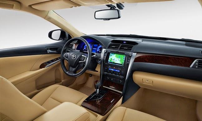 Nội thất Toyota Camry 2015: Vô lăng, bảng điều khiển, đèn nội thất được thiết kế mới
