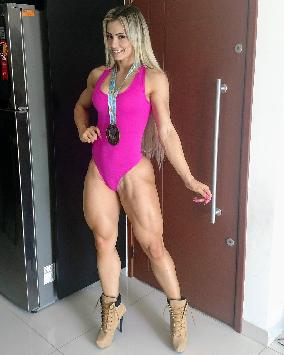 Crazy fighting girl - Vivi Winkler - Strong Girl Abs
