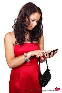 heureuse de recevoir un sms d'amour de toi