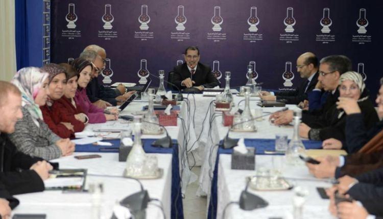 """تفاصيل إجتماع أمانة البيجيدي بعد تسريب """"وثائق معاش"""" بنكيران"""