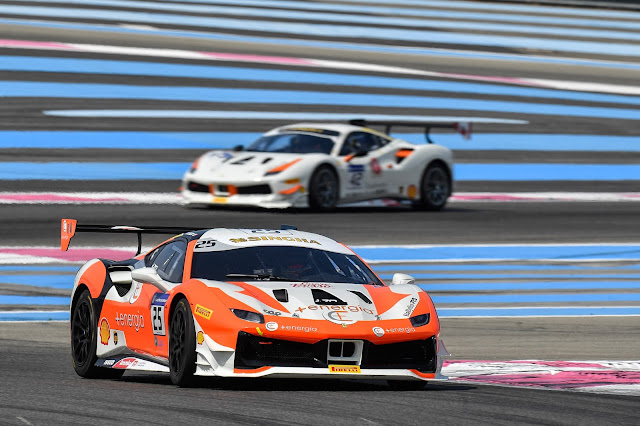 Ferrari Challenge series, 488 Challenge car, 2 cars racing