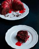 https://lachocolaterapia.blogspot.com/2018/10/bundt-cake-chocolate-sangriento.html