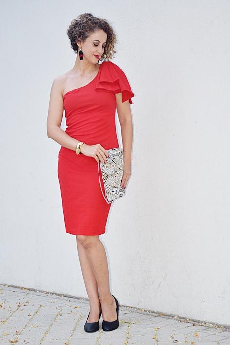 Outfit_vestido_rojo_corto_asimetrico_6