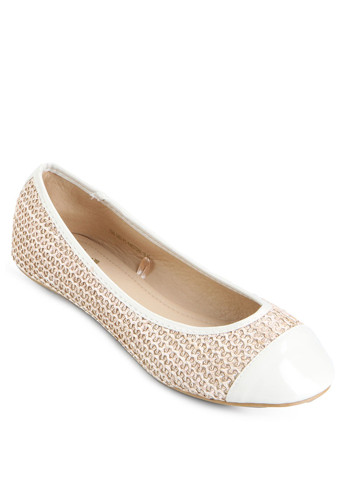 http://www.zalora.co.id/Twotone-Flat-Shoes-767910.html