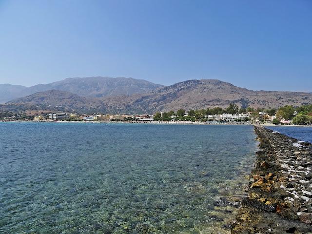ciepła i płytka zatoka w Grecji dla dzieci