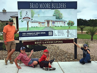 Burroughs Landscaping receives Comanche Trace Tour of Homes Best Landscaping Award
