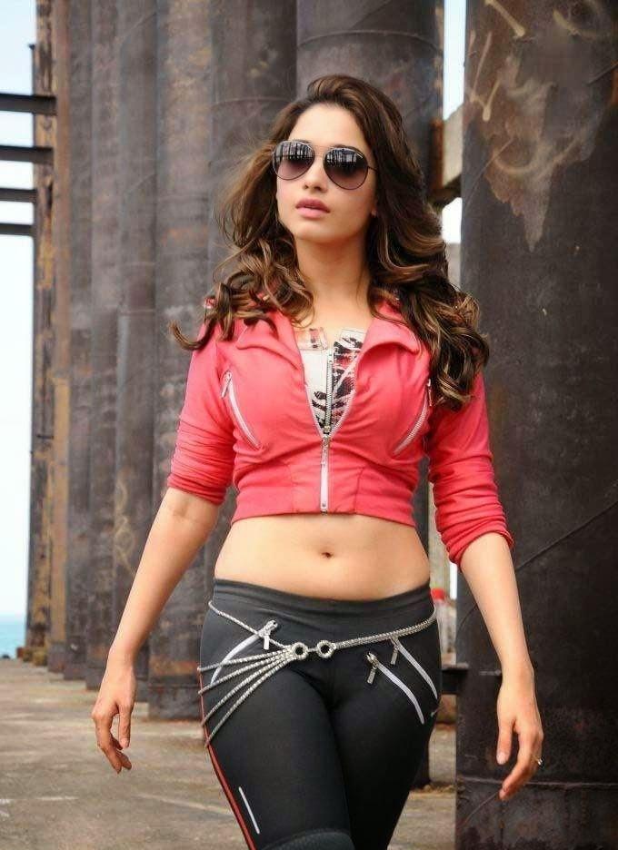 Tamanna Without Makeup: Actress In Bikini: Tamanna Bhatia Hot Photos Without