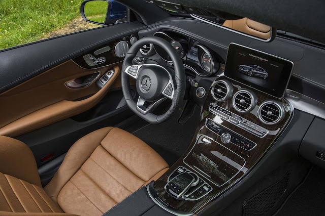 Mercedes-Benz C250 Coupé - interior