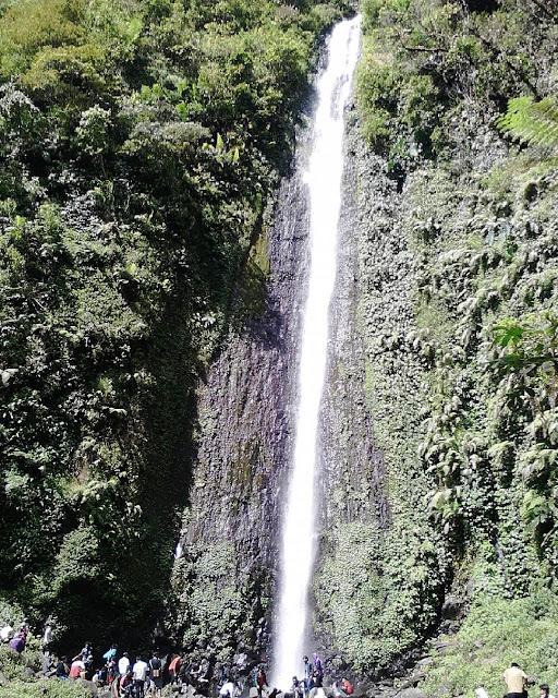 Wisata Batang : Curug Semawur Bawang | Keindahan Air Terjun Alami dibawah Kaki Gunung Prau