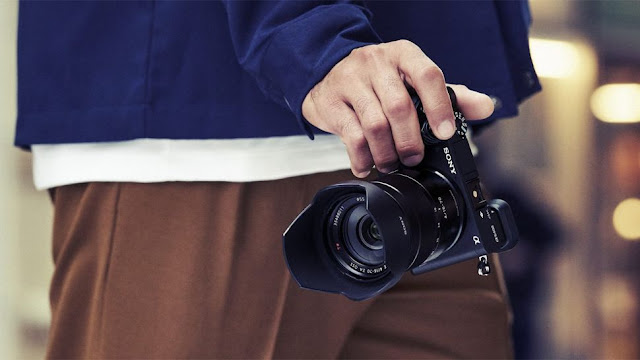 Sony α6400 mirrorless camera