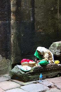 Nonne d'Angkor - Siem reap - Bouddhisme Cambodge