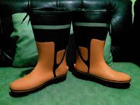 Safety Shoes Sebagai Alat Keselamatan Kerja