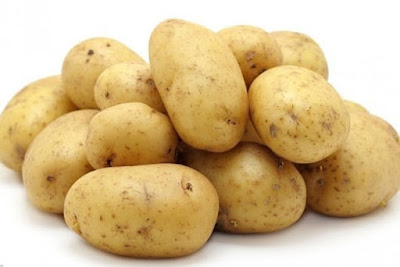 Thanks to high levels of vitamin C, potatoes can satisfy the daily needs for vitamin C, and thus prevent the occurrence of scurvy, a disease that occurs in lack of aforementioned vitamin.