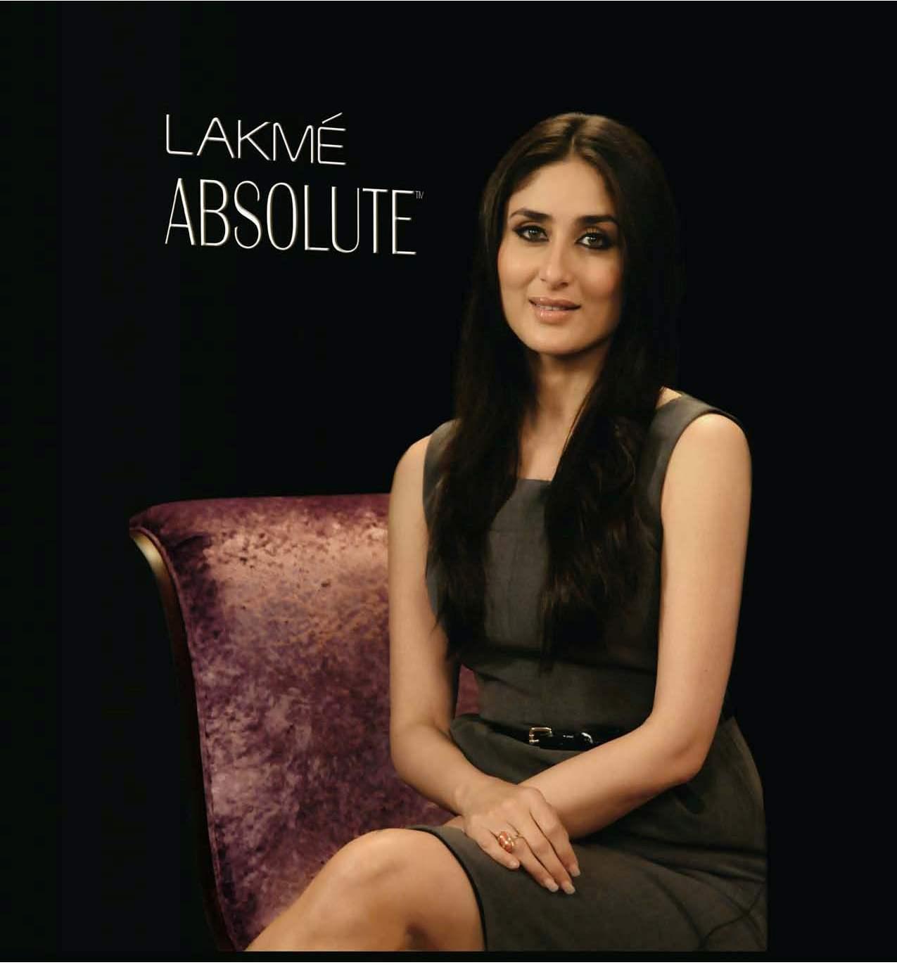 top design 9e512 14ab4 Press Information  Kareena Kapoor - Chosen Face for Lakme Absolute  Collection
