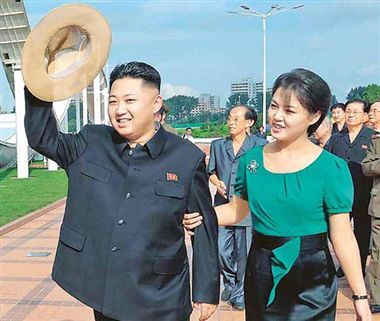 kim jong-un with wife, kim jong-un family, ri sol-ju