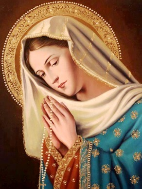 Imagen de Virgen María rezando con un rosario
