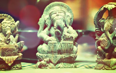 ganesh_statues_playing_instruments
