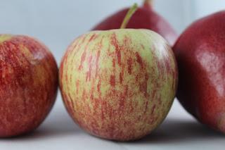Não come fruta? Descubra 6 razões para passar a comer...