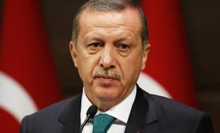 Spiegel: Δείγμα αδυναμίας η απόφαση του Ερντογάν να προκηρύξει εκλογές