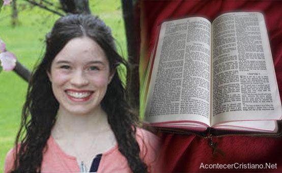 Mujer cuenta beneficiones de memorizar la Biblia