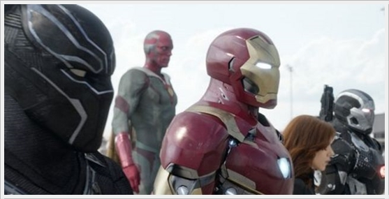 #TeamIronMan : Black Panther, Vision, Iron Man, Black Widow, War Machine