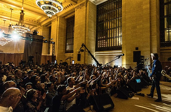 Paul McCartney : concert à Grand Central Station de New York