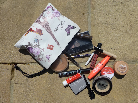 Whats in my Makeup Bag Part 1 - Face and Lips